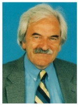 This is Des Lynam - or is it !!